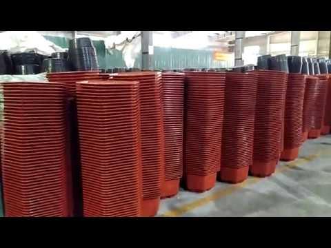 Sản xuất chậu cây cảnh cho khách hàng tại công ty nhựa Tân Việt Long
