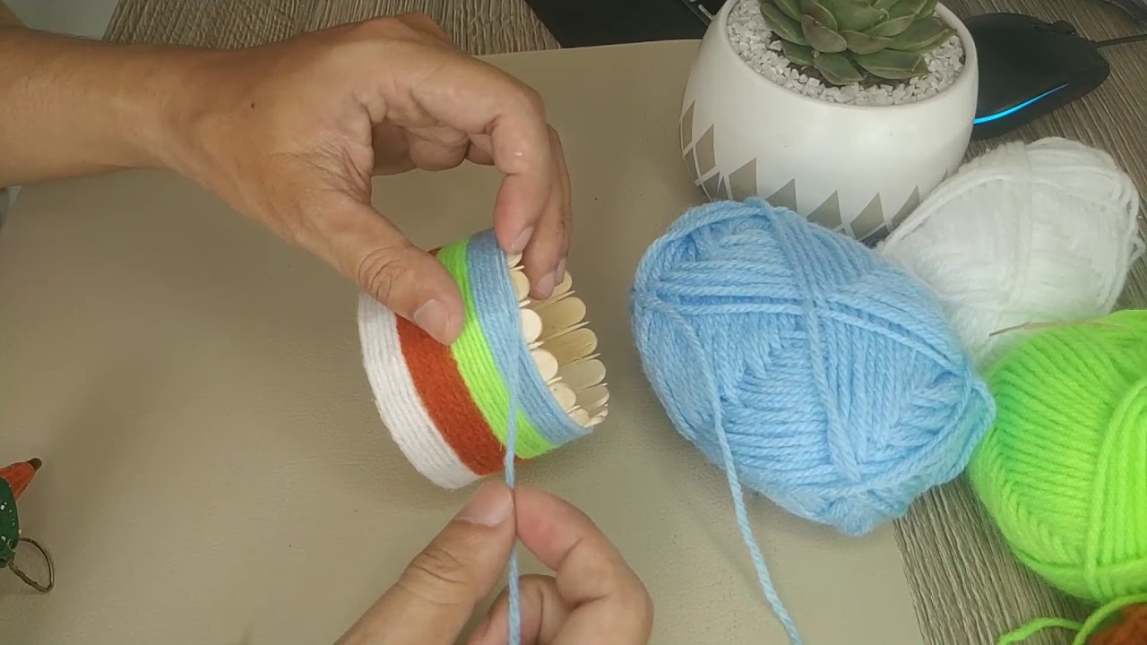 Giới thiệu sản phẩm chậu cây cảnh mini được làm nên từ que kem và được trang trí bằng len đẹp mắt